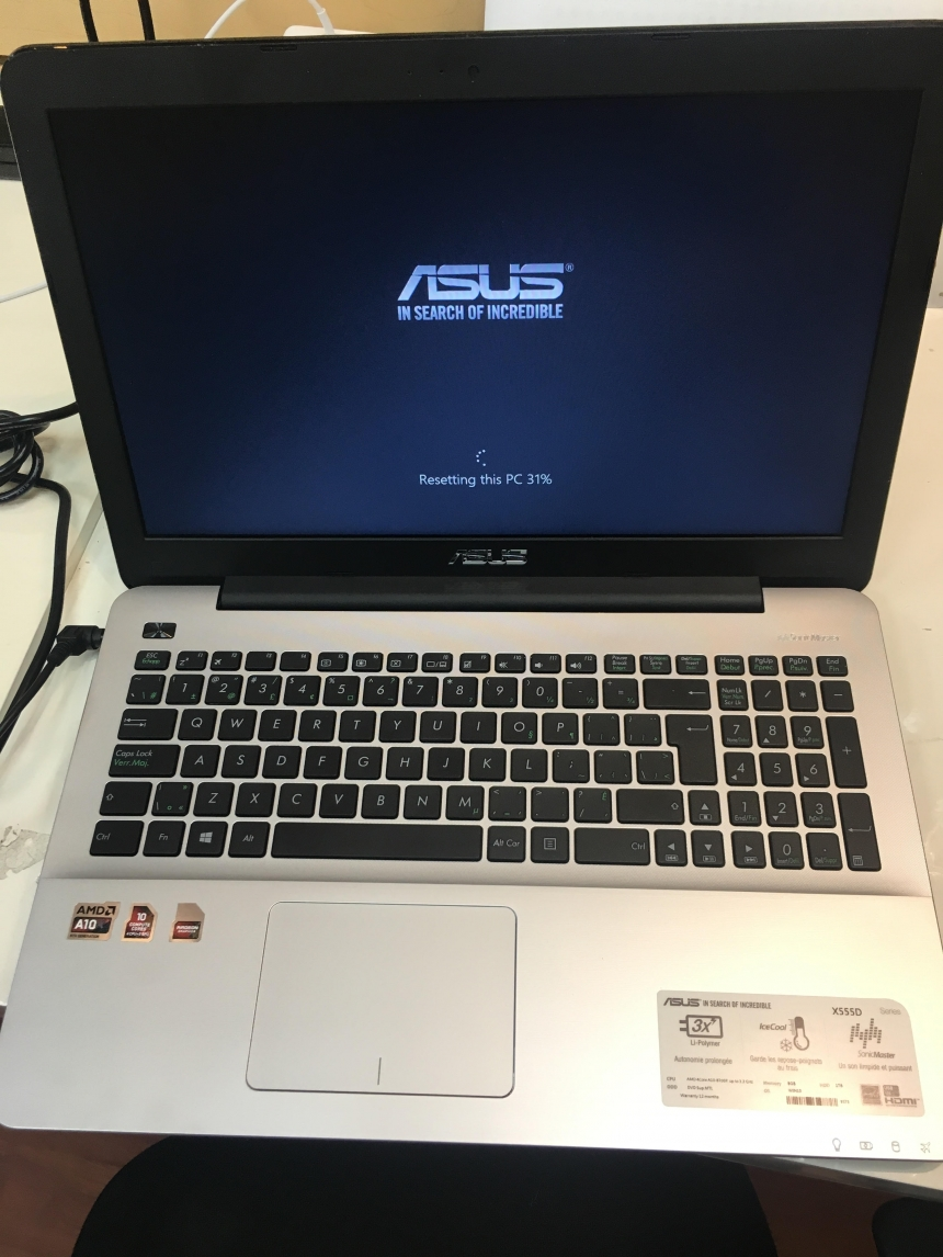 Toshiba Satellite X555D