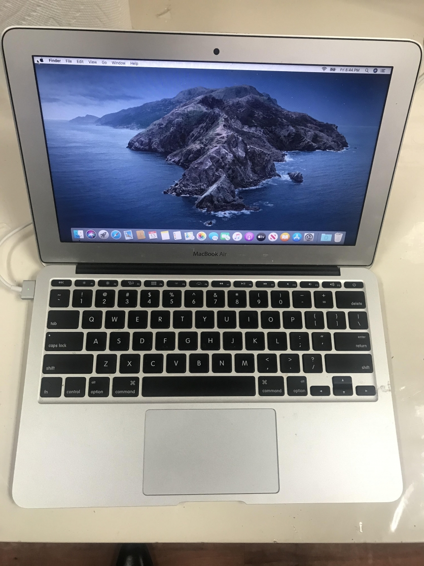 Apple MacBook Air 11inch Laptop macOS institution