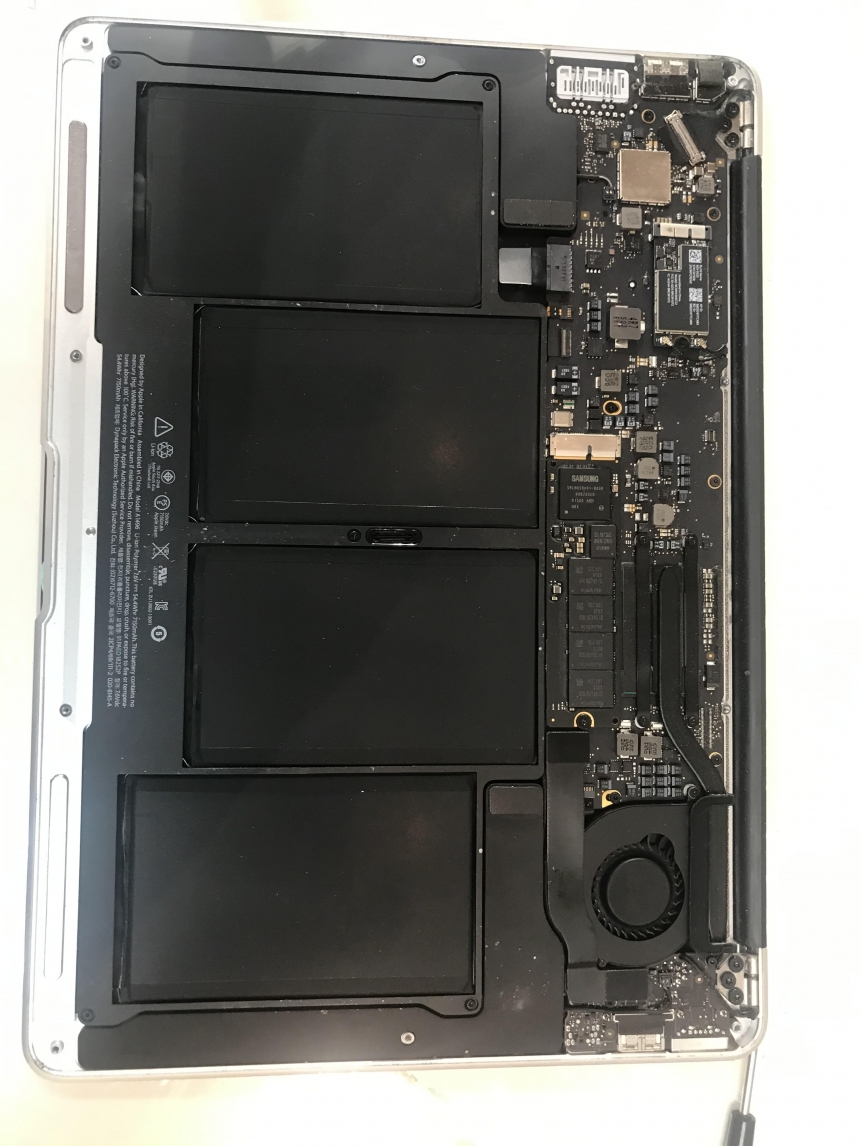 Apple MacBook Air A1466 Laptop Motherboard Repair