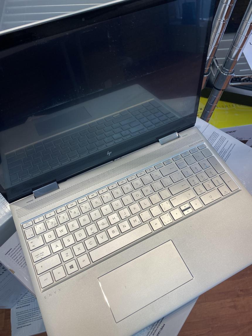 Laptop Hinge Repair Thornhill, Toronto, Richmond Hill